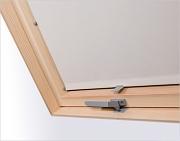 Zastiňující rolety na střešní okna Fakro