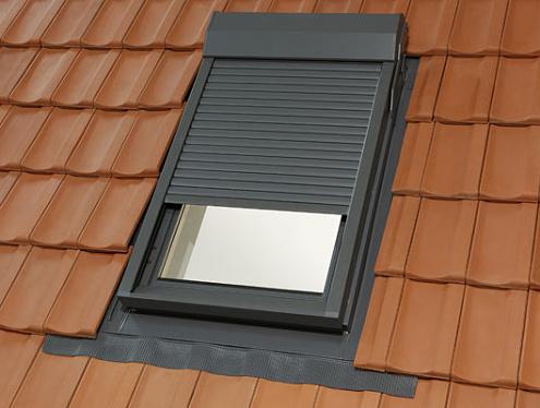 Předokenní roleta, střešní okna